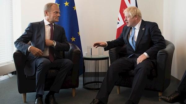 დონალდ ტუსკი ბრიტანეთის პრემიერისგან ბრექსიტის გადადების შესახებ წერილს ელოდება