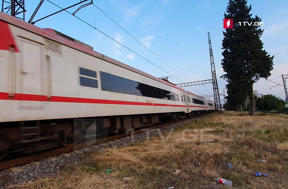 თბილისში მოზარდს მატარებელი დაეჯახა, დაშავებულის ჯანმრთელობის მდგომარეობა მძიმეა
