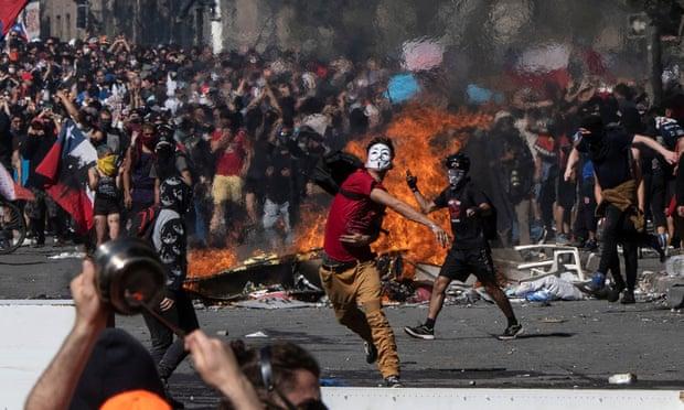 ჩილეს დედაქალაქში დემონსტრანტებსა და პოლიციას შორის მორიგი შეტაკება მოხდა