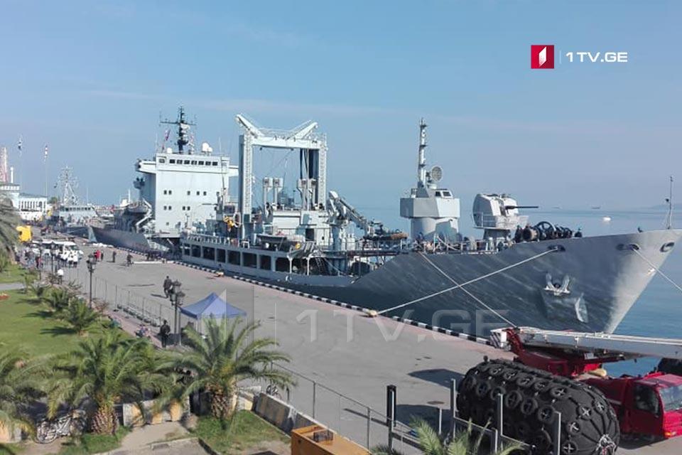 ბათუმის ნავსადგურში ნატო-ს ორი სამხედრო ხომალდი შევიდა