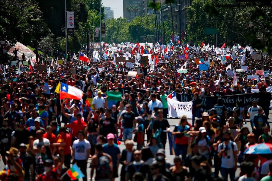 ჩილეში პრეზიდენტის გადადგომის მოთხოვნით აქციაზე მილიონზე მეტი ადამიანი გამოვიდა
