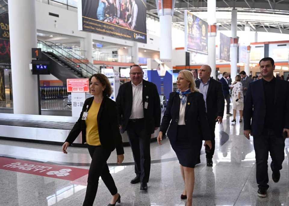 """""""ტავ ჯორჯიას"""" თბილისის საერთაშორისო აეროპორტში ხარვეზების გამოსასწორებლად ეკონომიკის სამინისტრომ გარკვეული ვადა მისცა"""