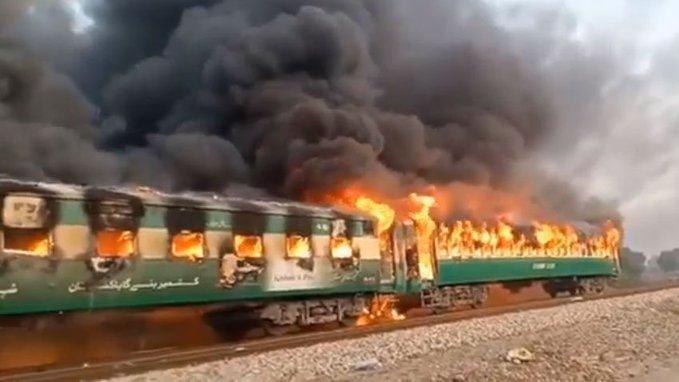 პაკისტანში, სამგზავრო მატარებელში ხანძარს 10 ადამიანი ემსხვერპლა