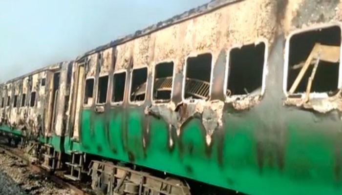 პაკისტანში მატარებლის ხანძრის შედეგად დაღუპულთა რიცხვი 62-მდე გაიზარდა
