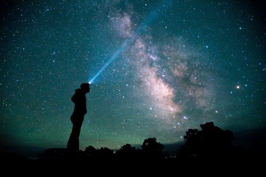 გალაქტიკებში მოგზაურობისთვის, არამიწიერი ცივილიზაციები შესაძლოა, მიკროსკოპულ ხომალდებს იყენებენ - ქართველი ასტროფიზიკოსის კვლევა