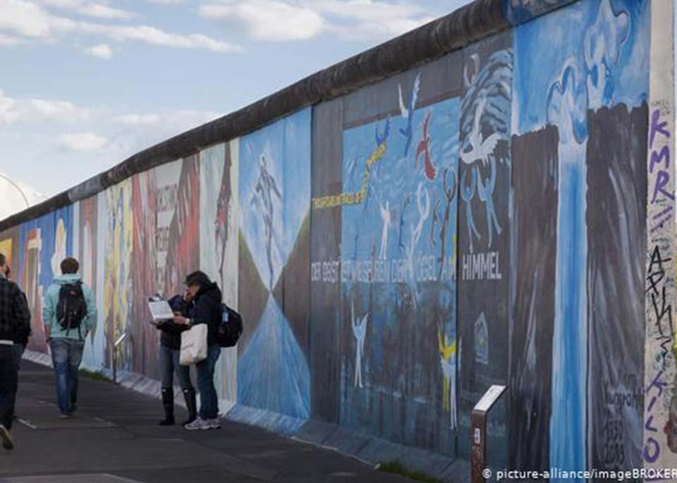 გერმანიის დედაქალაქში ბერლინის კედლის დანგრევის 30-ე წლისთავის აღსანიშნავი კვირეული დაიწყო
