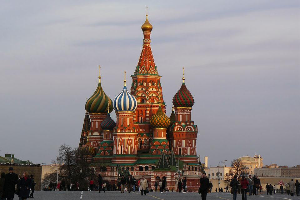 Правительственная комиссия по вопросам миграции - количество эмигрирующих из Грузии в Россию сокращается
