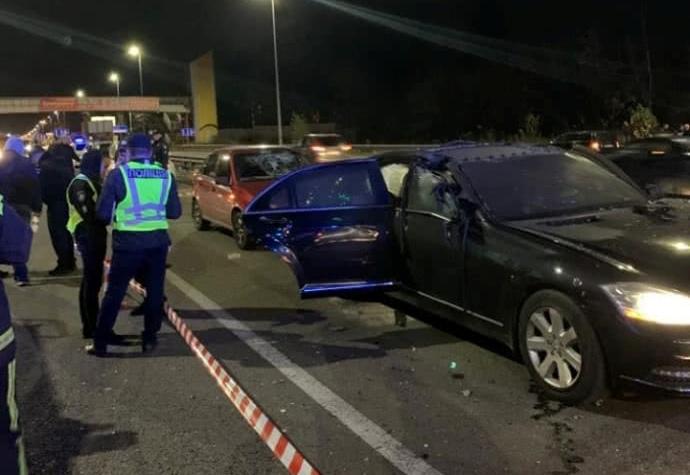 კიევში ავტომობილის აფეთქების შედეგად დაიღუპა ერთი და დაშავდა ორი ადამიანი