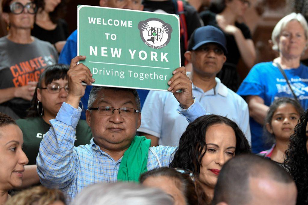 არალეგალი მიგრანტები ნიუ იორკში მართვის მოწმობის მიღებას სავარაუდოდ დეკემბრიდან შეძლებენ
