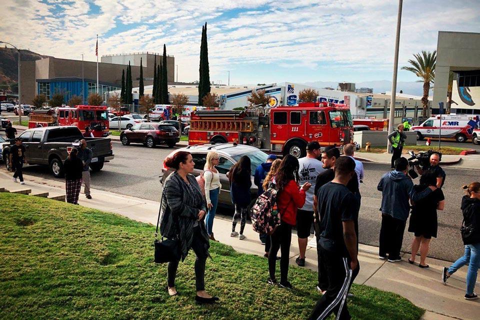 კალიფორნიაში, სანტა კლარიტას სკოლაში სროლას ორი მოსწავლე ემსხვერპლა