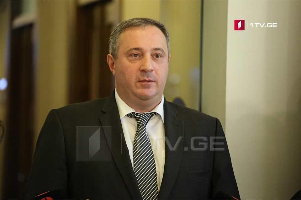 Акакий Зоидзе требует провести референдум или плебисцит о переходе к пропорциональной системе в 2020 году и не исключает, что покинет парламент