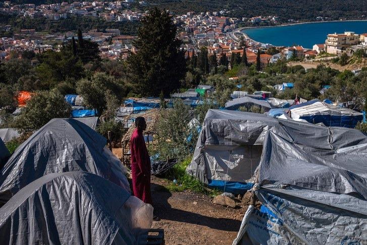 საბერძნეთის მთავრობა ლტოლვილთა სამი დიდი ბანაკის დახურვას გეგმავს