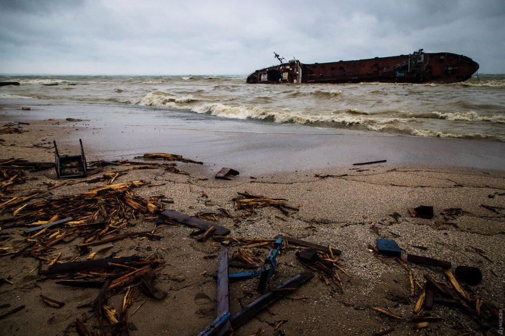 ოდესასთან შავ ზღვაში ტანკერის ავარიის ადგილას წყალში ნავთობპროდუქტების შემცველობის ნორმამ 90-ჯერ მოიმატა
