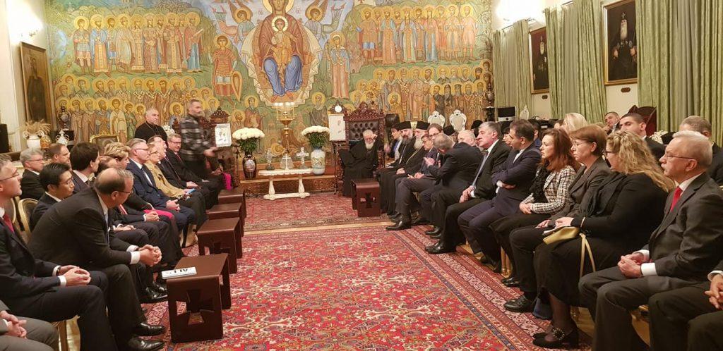 კათოლიკოს-პატრიარქი ელჩებს შეხვდა