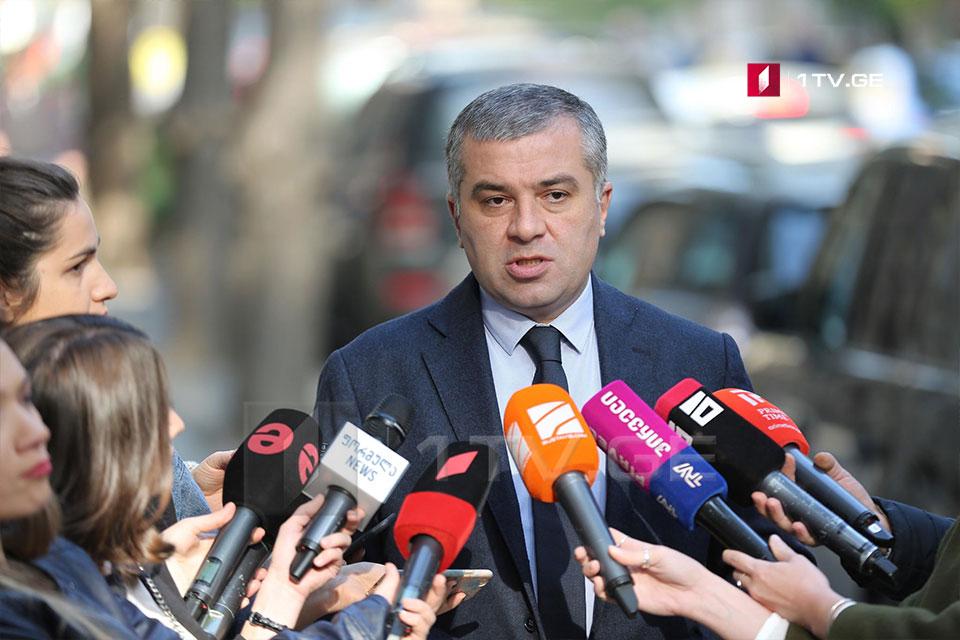 David Bakradze - prosesin normallaşdırılmasına konkret addımlar lazımdır, bu olsa dialoqa da, Parlamentə qayıtmağa da, hazırıq