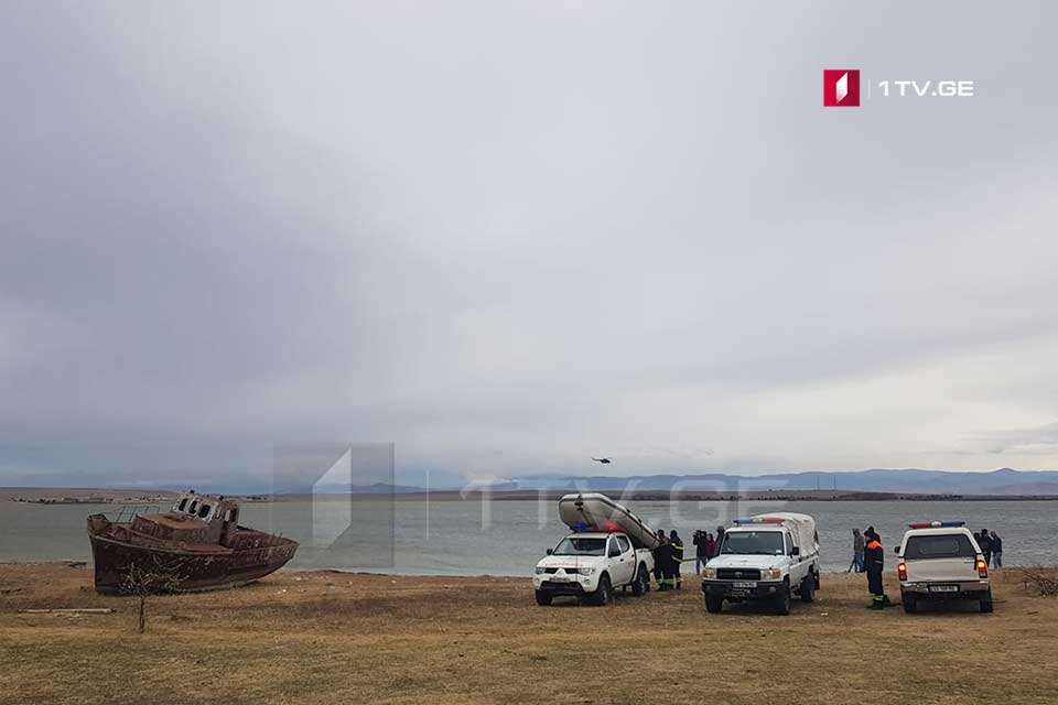 Azeri helicopter involved in search works of two men at Jandari Lake