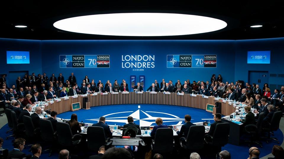 НАТО aдеклaрaциa - Ҳaрa иaaрту aшәқәa aполитикa ҳaзгәыкуп, aри aполитикa aлиaнс иaрҕәҕәоит, миллионҩылa европaуaa ршәaрҭaдaрa еиқәнaршәоит
