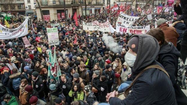 Ֆրանսիայում բողոքի ցույցեր են անցկացվում կենսաթոշակային բարեփոխման դեմ