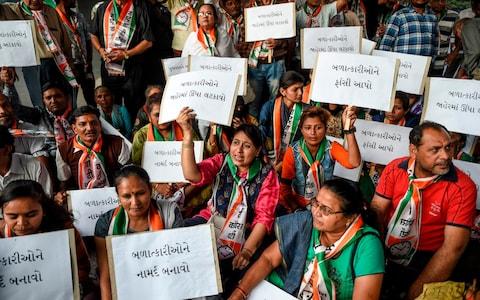 ინდოეთში ქალის გაუპატიურებასა და მკვლელობაში ეჭვმიტანილები მოკლეს