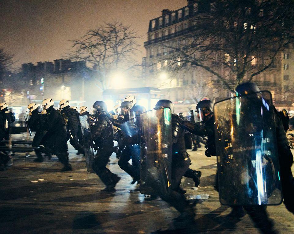საფრანგეთში საპენსიო რეფორმის წინააღმდეგ აქციის დროს დაშავებულებს შორის ორი ჟურნალისტია