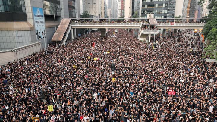"""""""ბიბისი"""" - ჰონგ კონგშისაპროტესტო აქციაში თითქმის მილიონმა ადამიანმა მიიღო მონაწილეობა"""