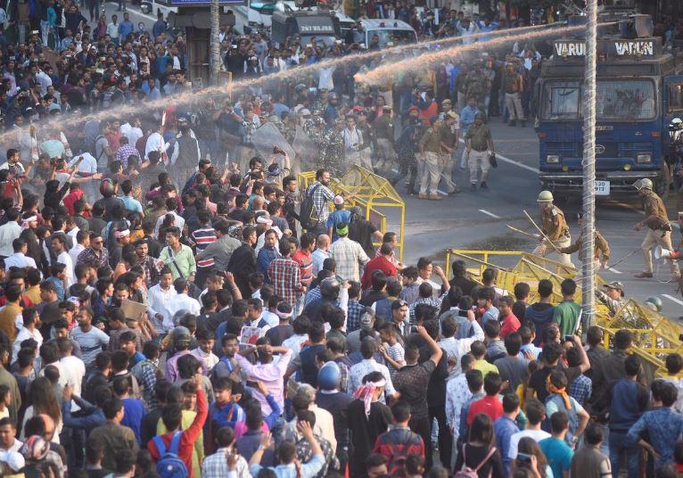 ინდოეთში მოქალაქეობასთან დაკავშირებით ახალი კანონის გამო, მასშტაბური დემონსტრაციები გაიმართა