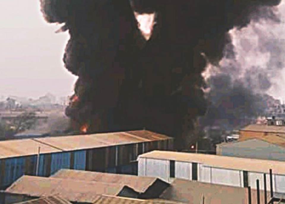 ბანგლადეშში, პლასტმასის მწარმოებელ ქარხანაში ხანძარს 10 ადამიანი ემსხვერპლა, 26 კი დაშავდა