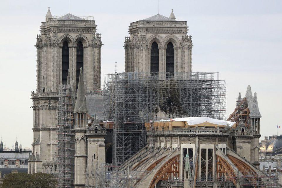 პირველად 200 წლის განმავლობაში პარიზის ღვთისმშობლის ტაძარში საშობაო ღვთისმსახურება არ შესრულდება