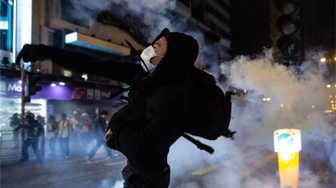 ჰონკონგში დემონსტრანტებსა და პოლიციას შორის შეტაკება მოხდა