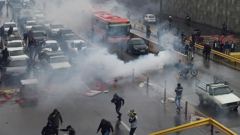 ირანში 13-კაციანი ჯგუფი გაანადგურეს, რომლებსაც არეულობისა და აფეთქებების ორგანიზება ედებოდათ ბრალად