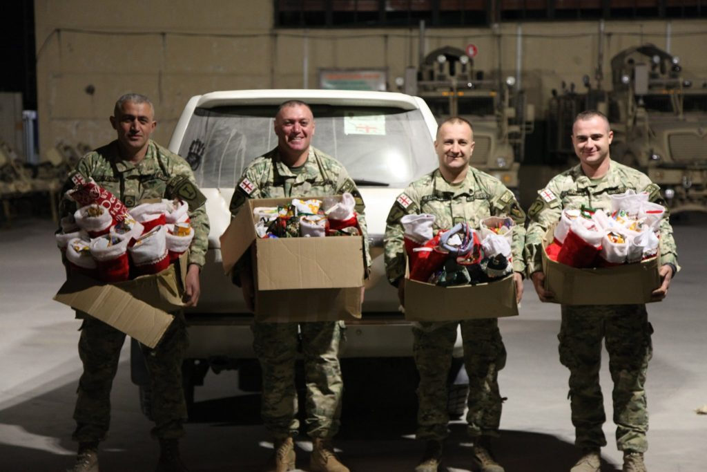 Грузинские миротворцы отметили Новый год на авиабазе Баграм в Афганистане