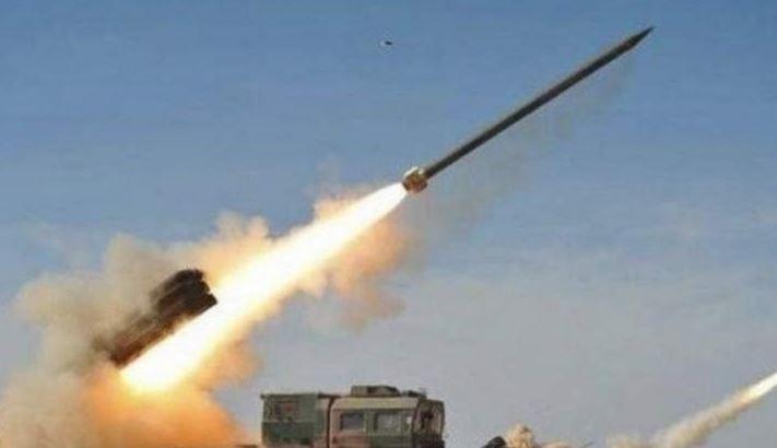 По информации медиа, две ракеты упали на военной базе в Ираке, где дислоцированы американские военные