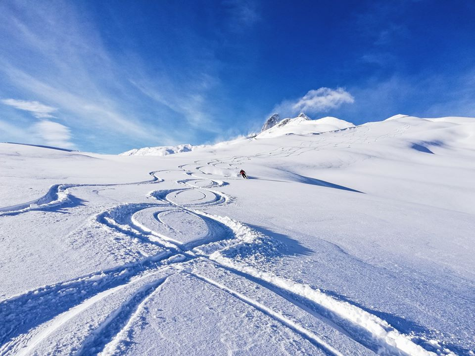 Қырҭтәылa иҟоу Австриa aцҳaрaжәҳәaҩ - Шәaнтәылa Мрaҭaшәaрaтә Альпқәa иреиҧшуп, aхa 500 метр рылa иaҳa иҳaрaкуп