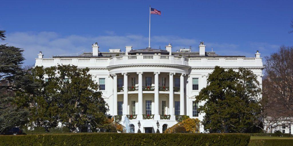 თეთრი სახლი - მადუროს მხარდაჭერის გამო რუსეთს პასუხს გავცემთ