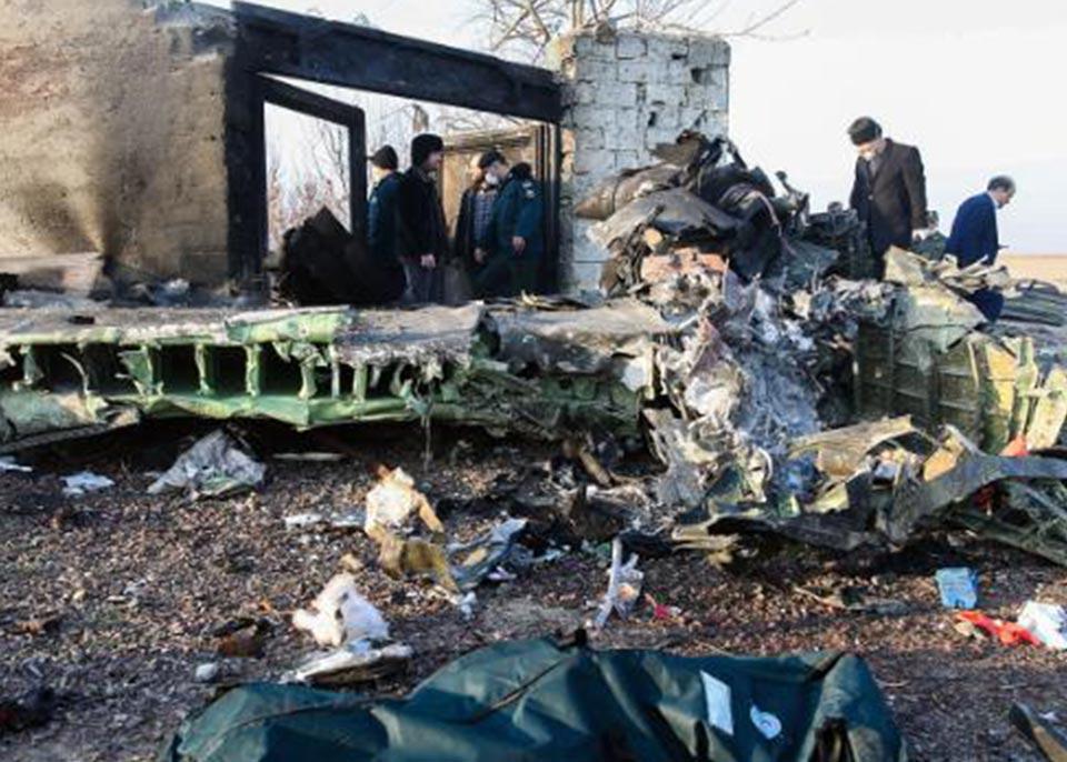 ირანელმა მაშველებმა ავიაკატასტროფის ადგილზე შავი ყუთები იპოვეს