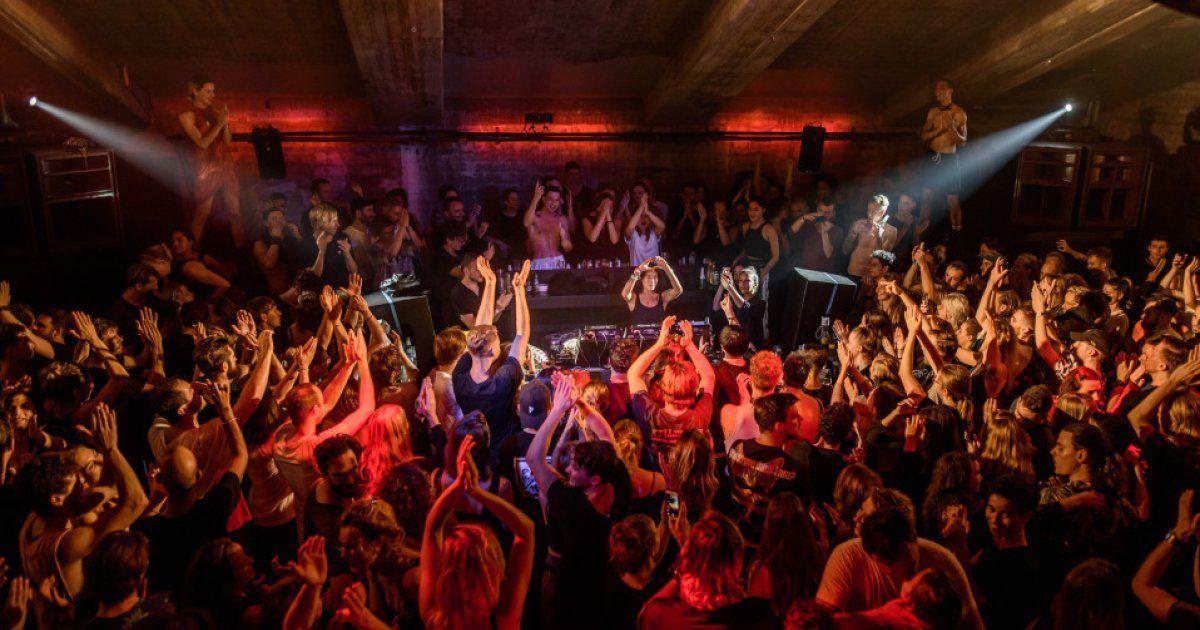 პიკის საათი - საკანომდებლო ცვლილებები არასრულწლოვანთა ღამის კლუბებში დაშვების შესახებ