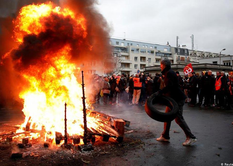 საფრანგეთში საპენსიო რეფორმის წინააღმდეგ დემონსტრაციები განახლდა
