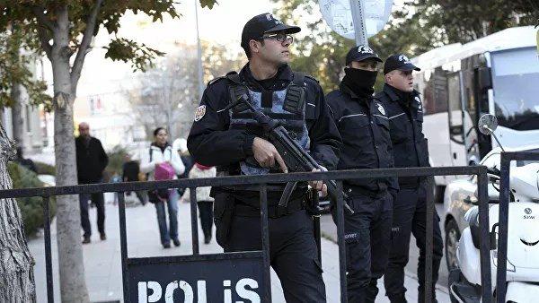 Türkiyə Prokurorluğu Fətullah Gülənin təşkilatıyla əlaqə ittihamı ilə, 176 hərbi xidmətçisinin həbs olunması orderini verdi