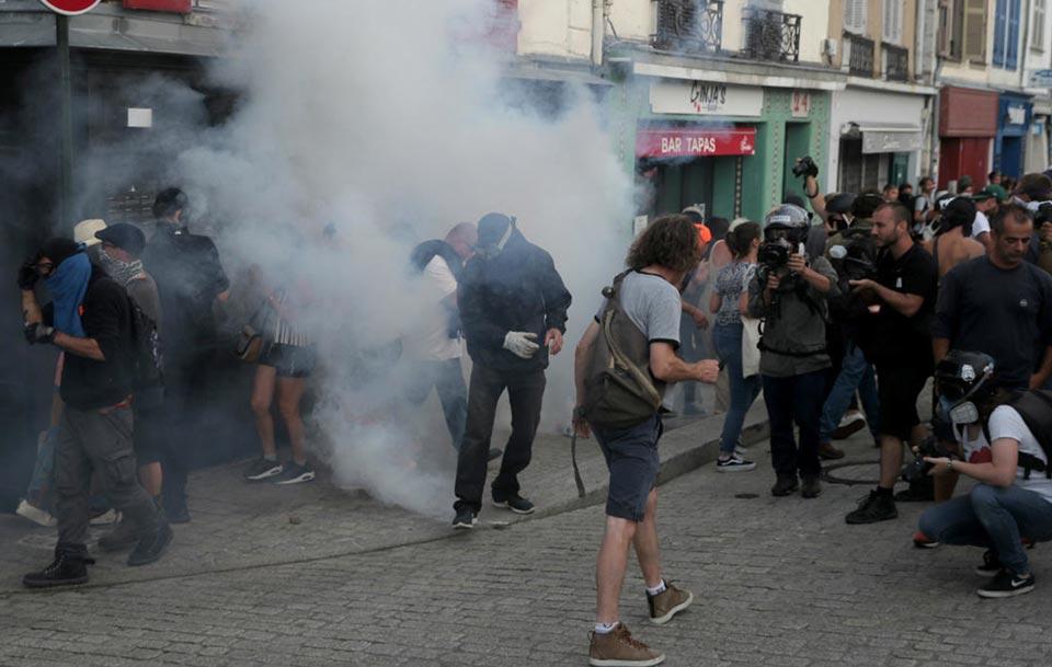 პარიზში პოლიციამ დემონსტრანტების დასაშლელად ცრელმსადენი აირი გამოიყენა