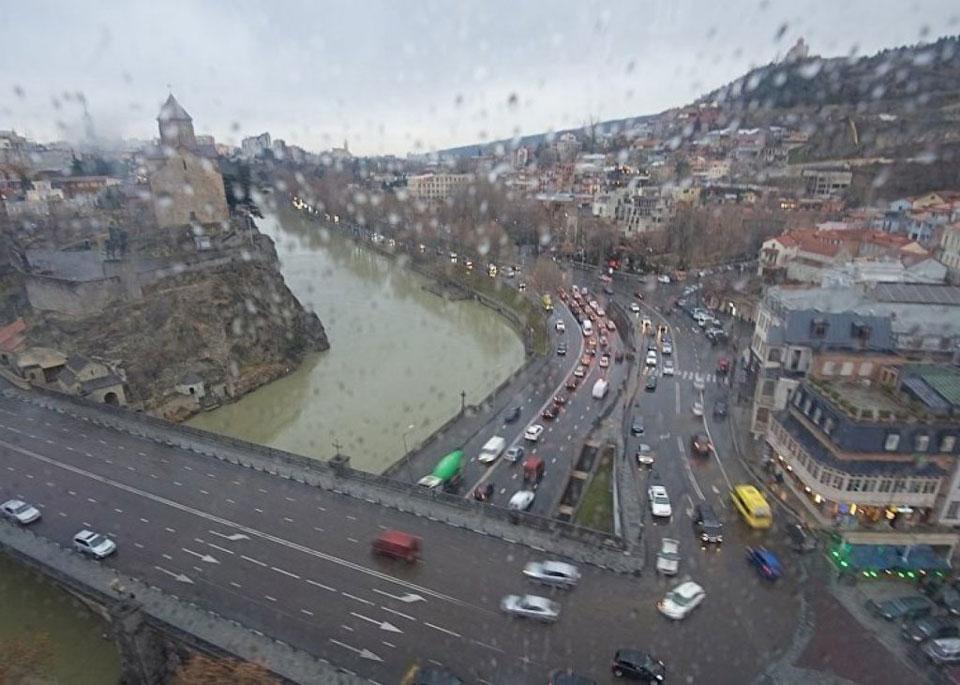 სინოპტიკოსების ინფორმაციით, თბილისში ხვალ თოვლ-ჭყაპი და ნისლია მოსალოდნელი