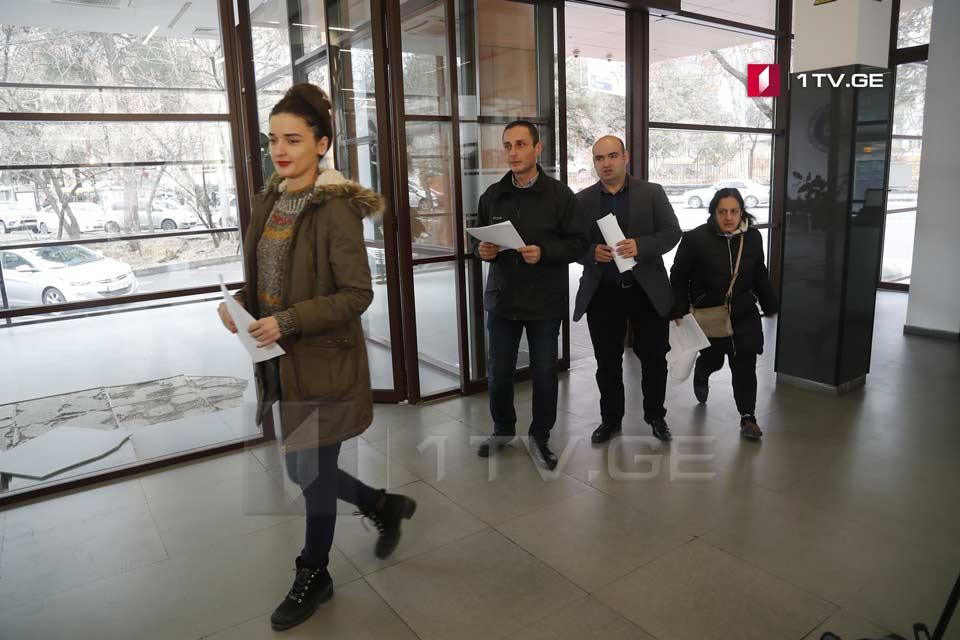 ლაშა ჩხარტიშვილი მის დაკავებაში მონაწილე პოლიციელების დასჯას ითხოვს
