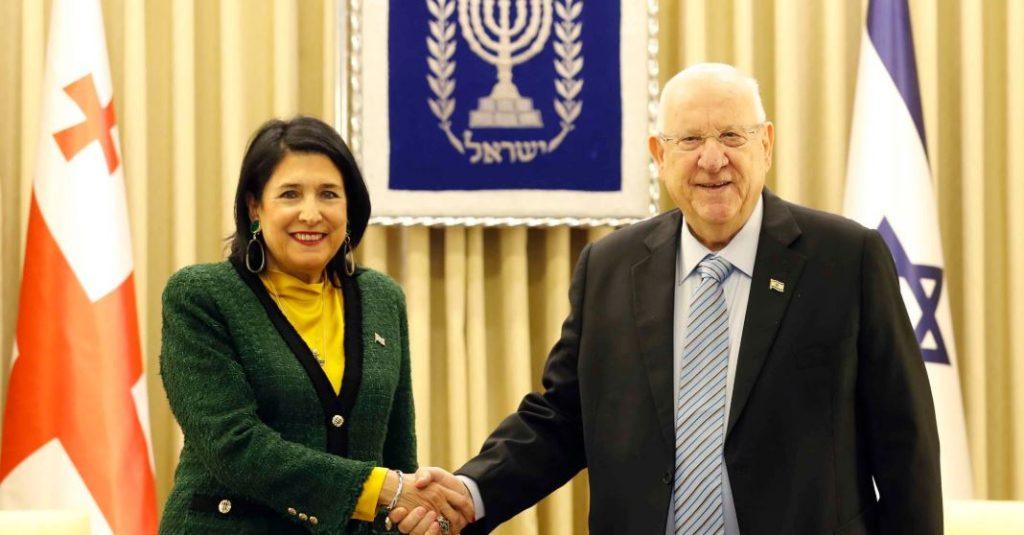 პრეზიდენტის ადმინისტრაცია - ისრაელში საქართველოს მოქალაქეების ლეგალურად დასაქმების პროცესის დაჩქარებაზე სალომე ზურაბიშვილმა ისრაელის პრეზიდენტისგან თანხმობა მიიღო