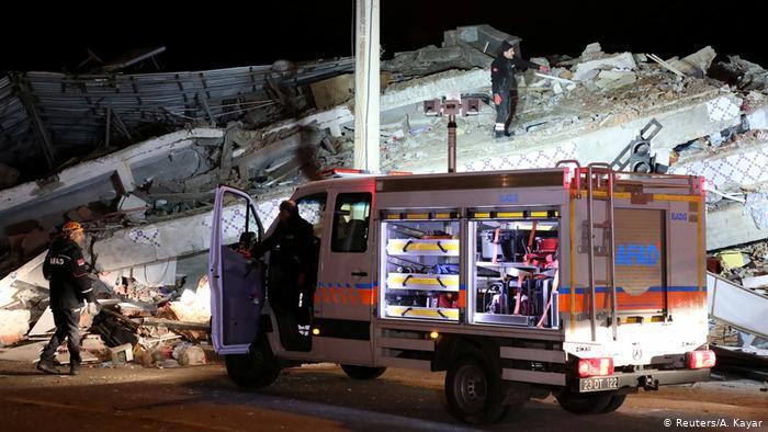 22 dead, 1,030 injured as massive quake of magnitude 6.8 rocks Turkey's Elazığ
