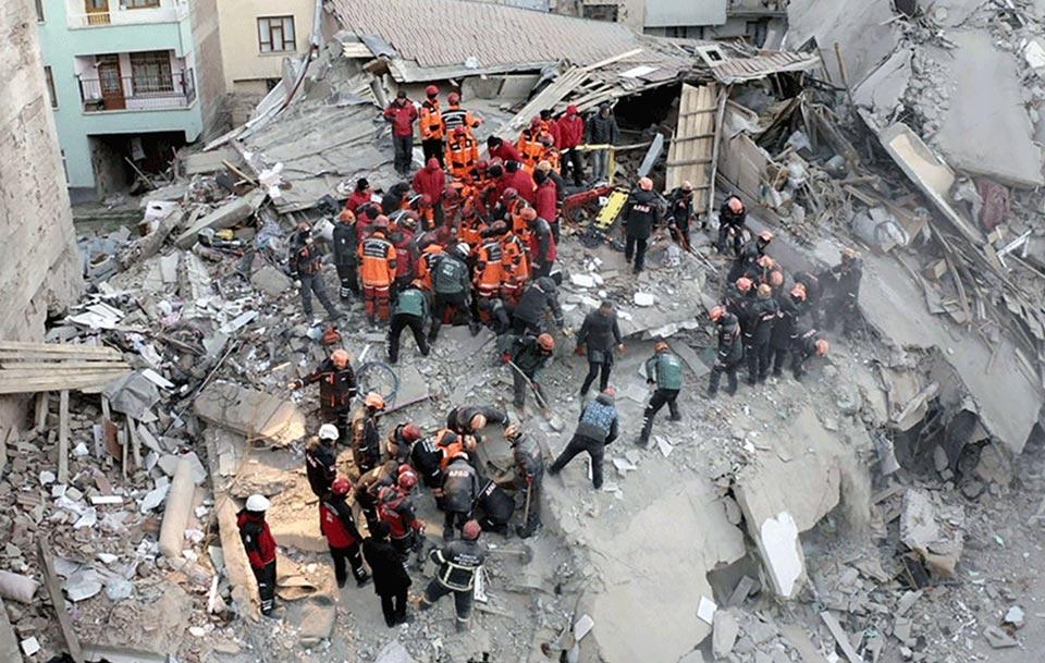 თურქეთში მიწისძვრის შედეგად გარდაცვლილთა რიცხვი 35-მდე გაიზარდა