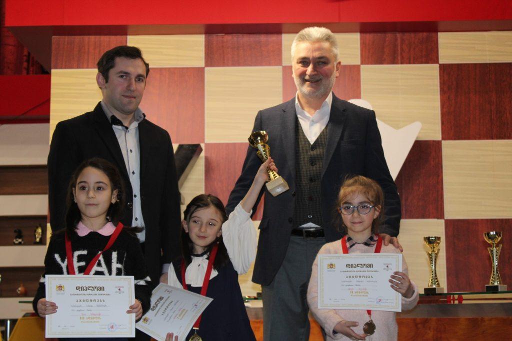 ჭადრაკში საქართველოს სასკოლო ჩემპიონატის გამარჯვებულები გამოვლინდნენ