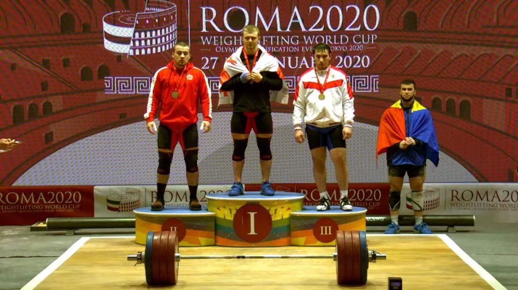 Антон Плесной завоевал три золотые медали