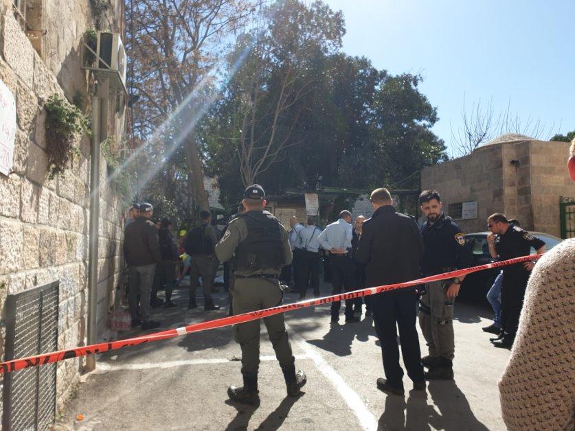 იერუსალიმში შეიარაღებულმა პირმა პოლიციას ცეცხლი გაუხსნა