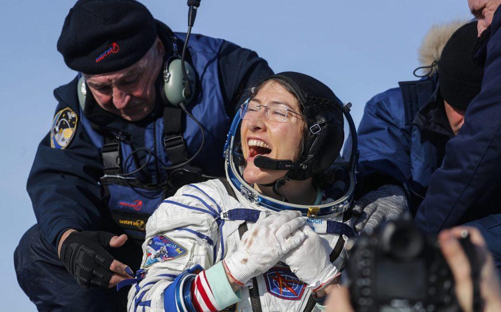 ნასას ასტრონავტი კრისტინა კუკი დედამიწაზე დაბრუნდა და კოსმოსური ფრენის რეკორდიც დაამყარა