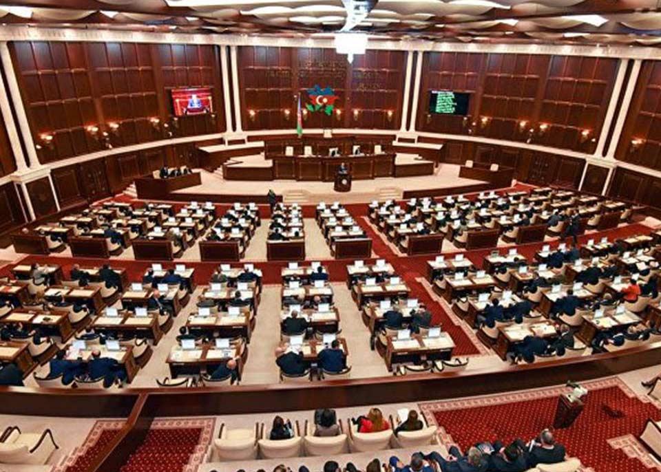 Азербайджан готовится к досрочным парламентским выборам