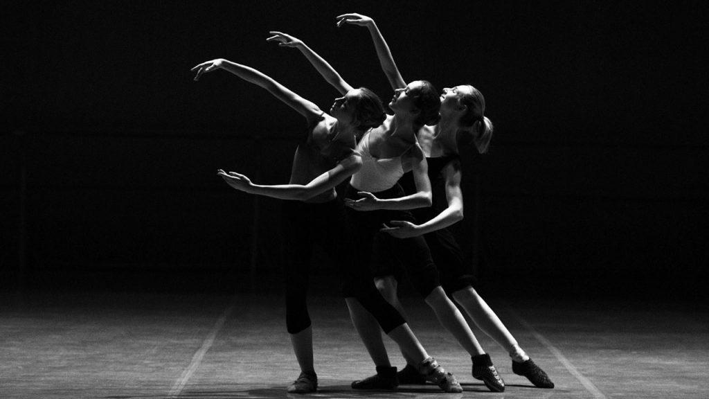 ცეკვა და პოლიტიკა